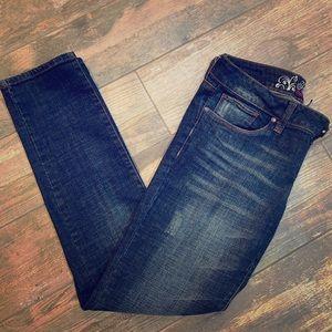Refuge Jeans size 10 Flirty Everyday skinny
